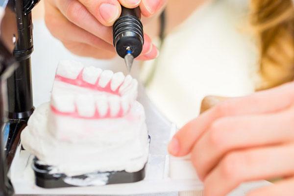 Instituto Kopp - Clínica odontológica - Prótese dentária